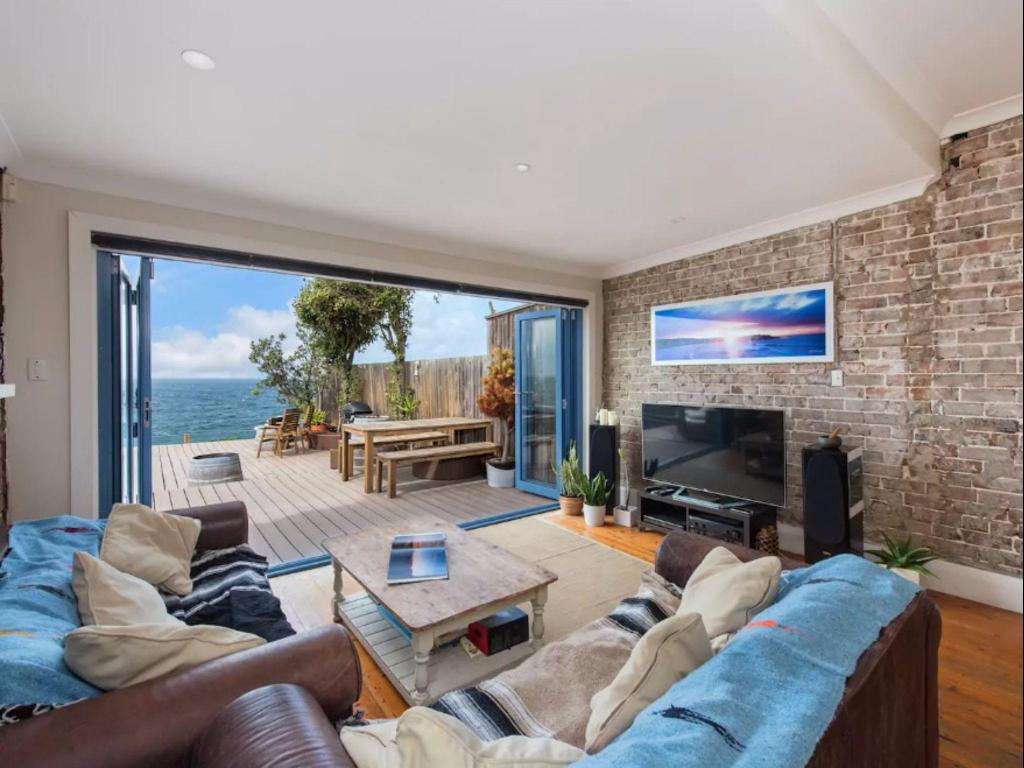 Absolute Waterfront - North Bondi