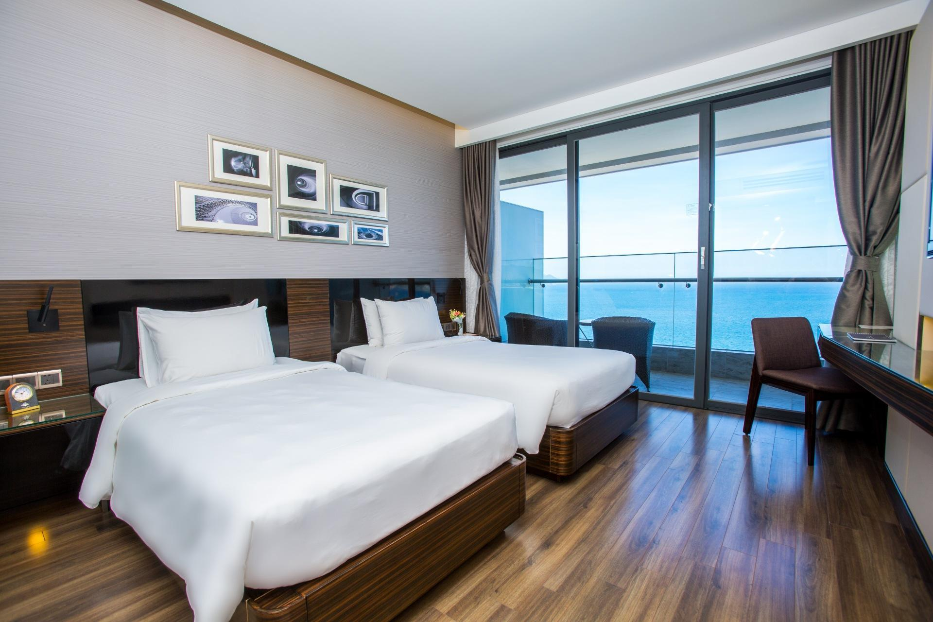 Premier Ocean View Twin Room with Balcony