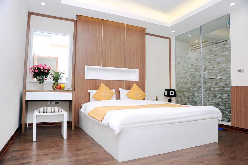 Superior Room - Bed The Royal Hotel
