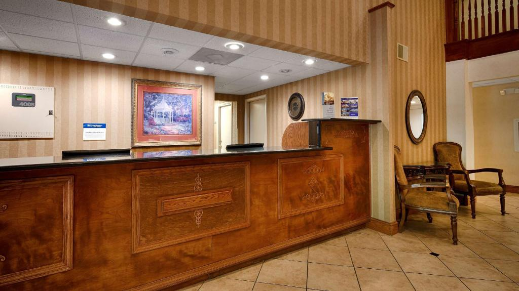 Vstupní hala Best Western Plus Russellville Hotel and Suites