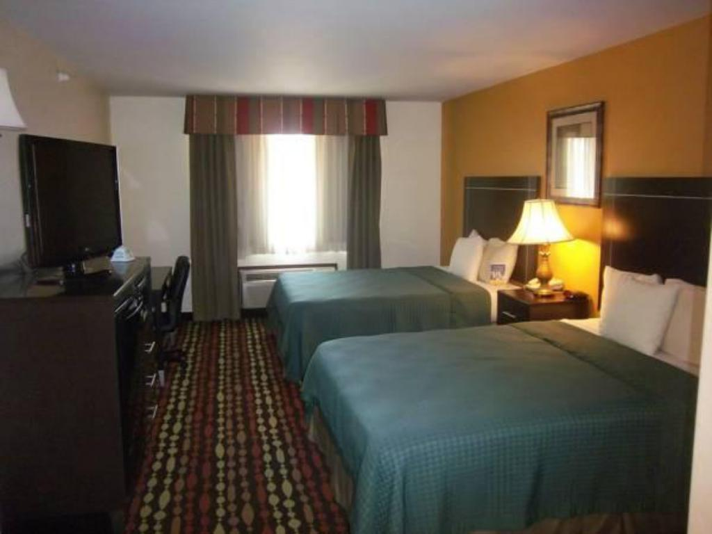 Queen with 2 Queen Beds - Smoking - Guestroom Best Western Plus Greentree Inn and Suites