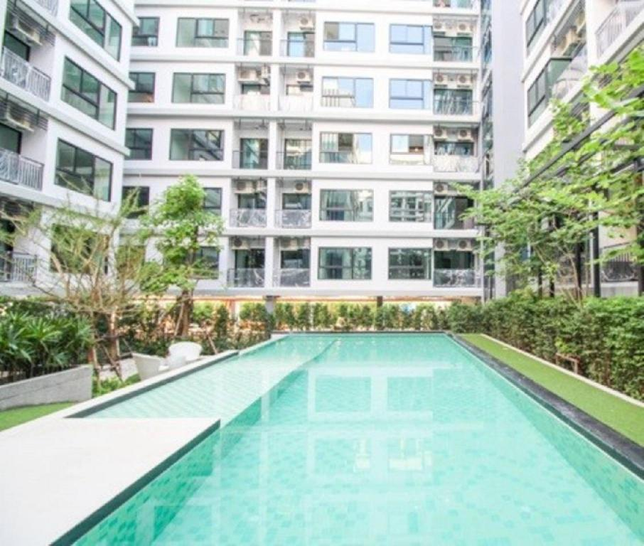 Swimming pool [outdoor] Condo Villa Lasalle near BITEC Bangna BTS Bearing