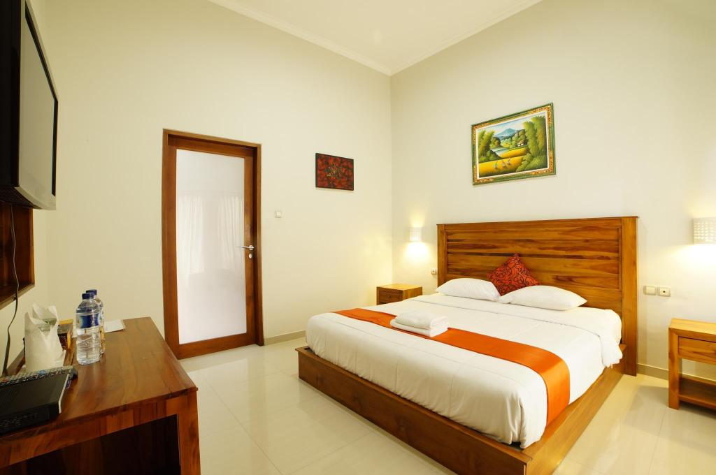 Deluxe Pool Access - Guestroom Living House Legian