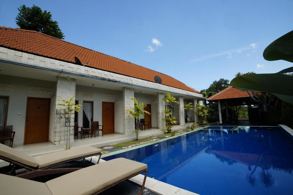 Πισίνα Living House Legian