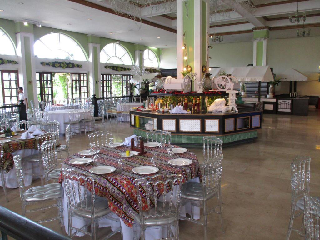 Restaurante Gorgeous Tagaytay Townhouse