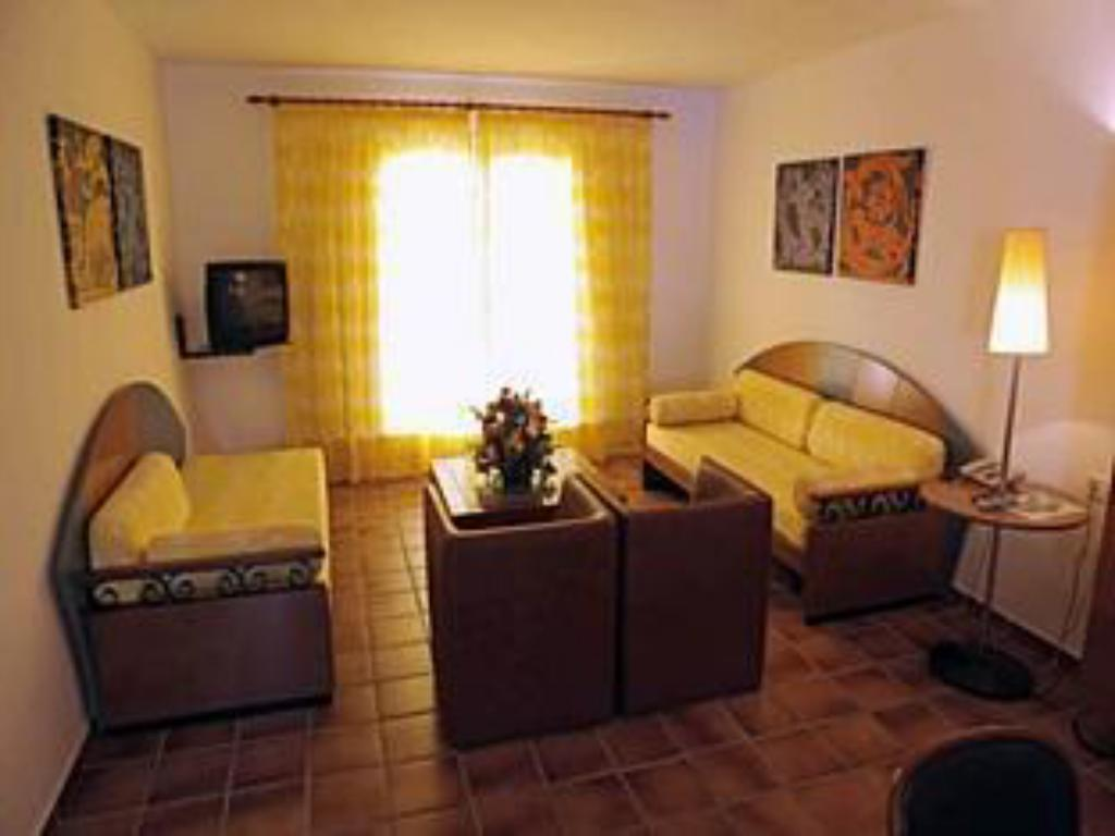 1 Bedroom Apartment Club Pueblo Menorquin