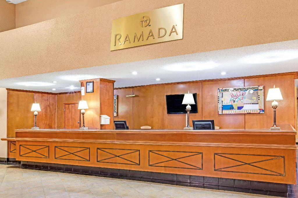 Lobby Ramada by Wyndham Orlando Downtown