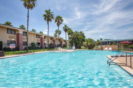 Swimming pool [outdoor] Ramada by Wyndham Davenport Orlando South