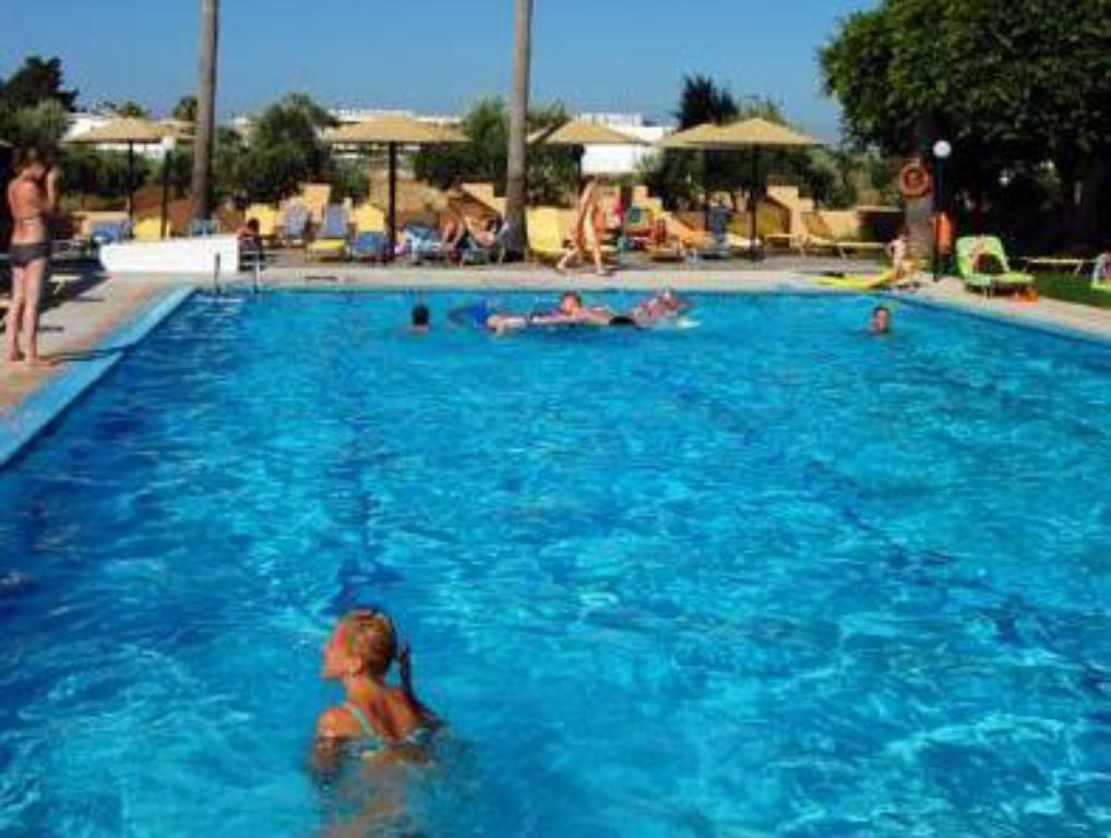 Swimmingpool Hotel K. Ilios