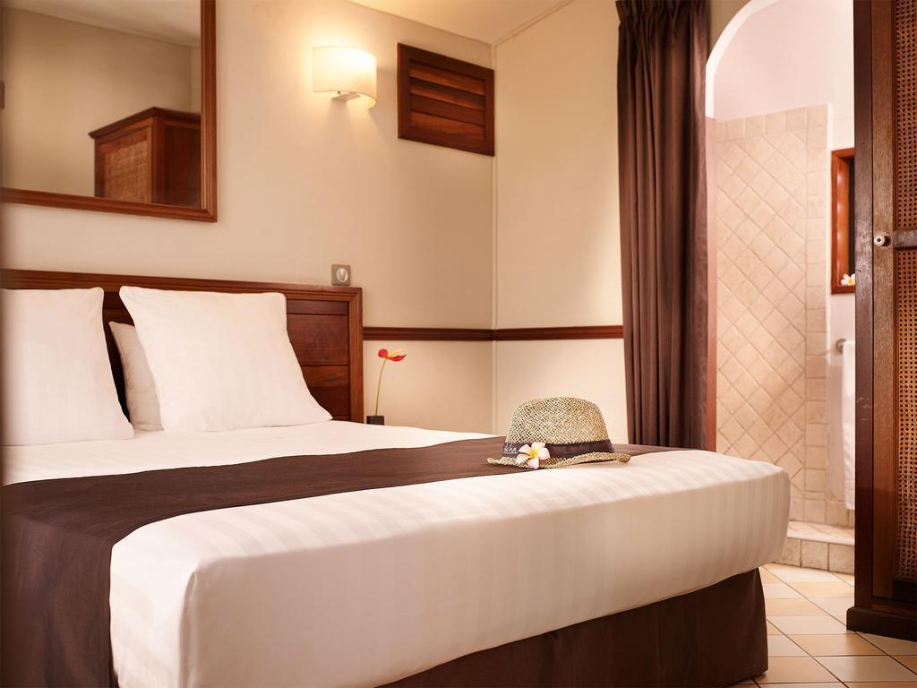 Iloha Hotel Seaview Resort Reunion Deals Photos Reviews