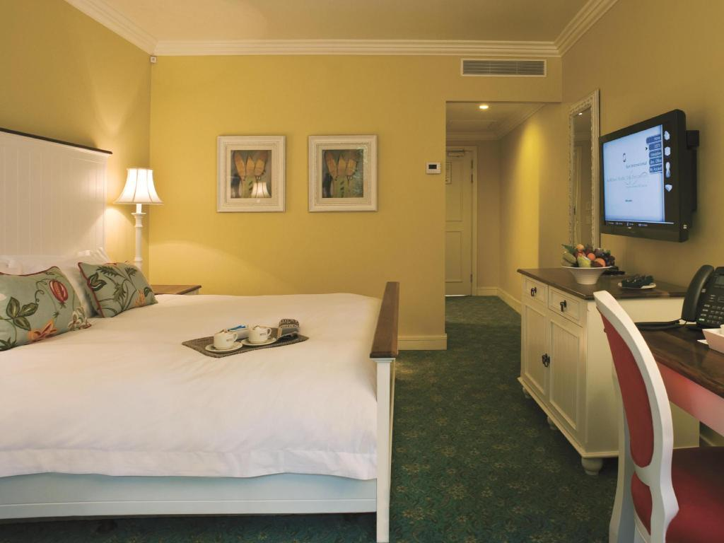Accessible Double Bed - Bed Wild Coast Sun Hotel