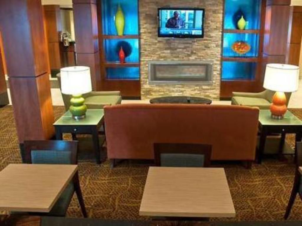 Лоби Fairfield Inn & Suites Sault Ste. Marie