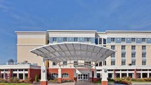 Holiday Inn Hotel and Suites Barboursville