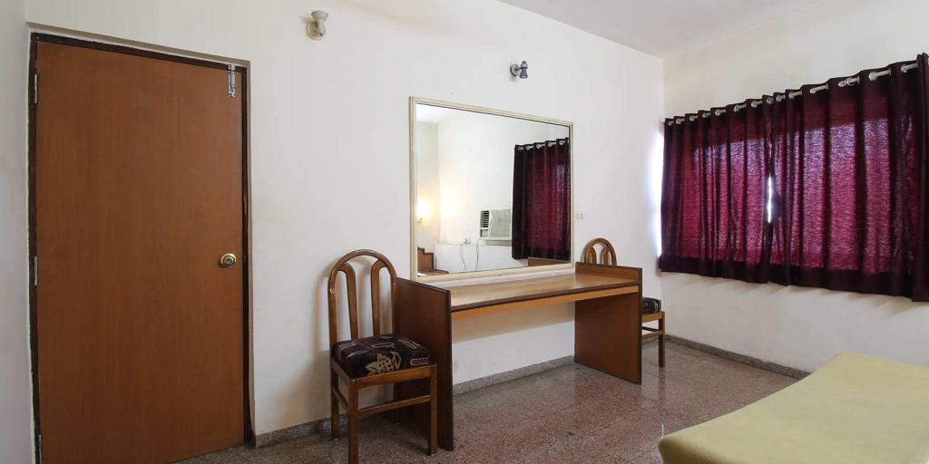 Deluxe Air Conditioning Room - Guestroom Hotel Soubhagya Inn