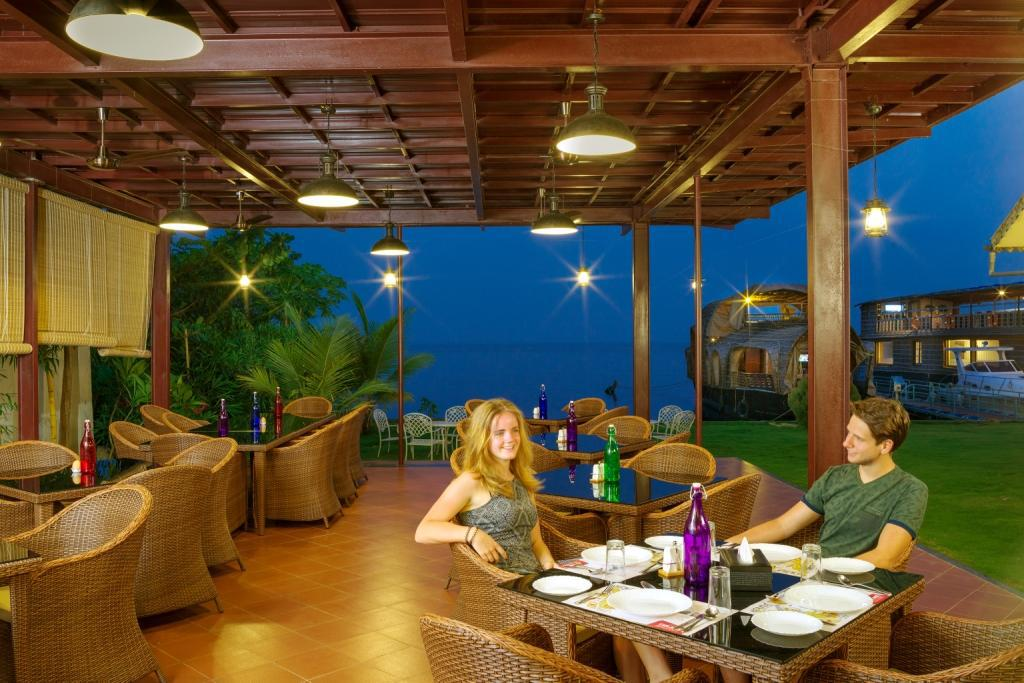 Restaurant Cyrus Resort by Tolins Hotels & Resorts