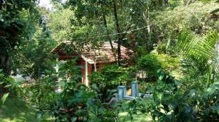 Leisure Vacations Whispering Woods - Coorg