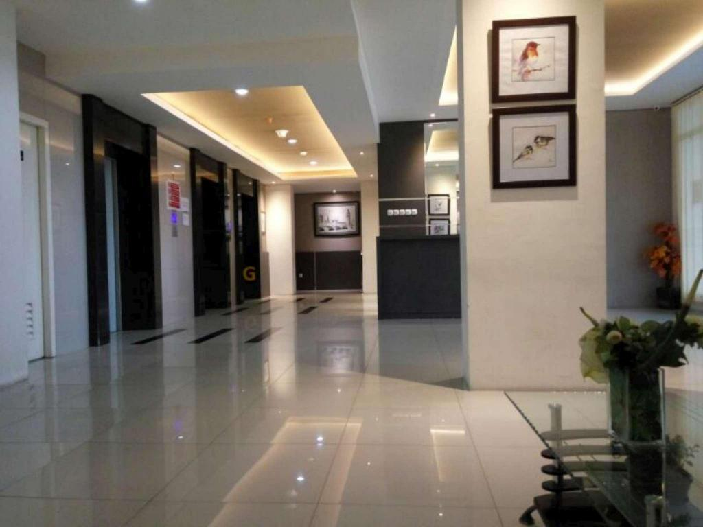Lobby Studio Room 6 at Puncak Kertajaya Apartment - Lae
