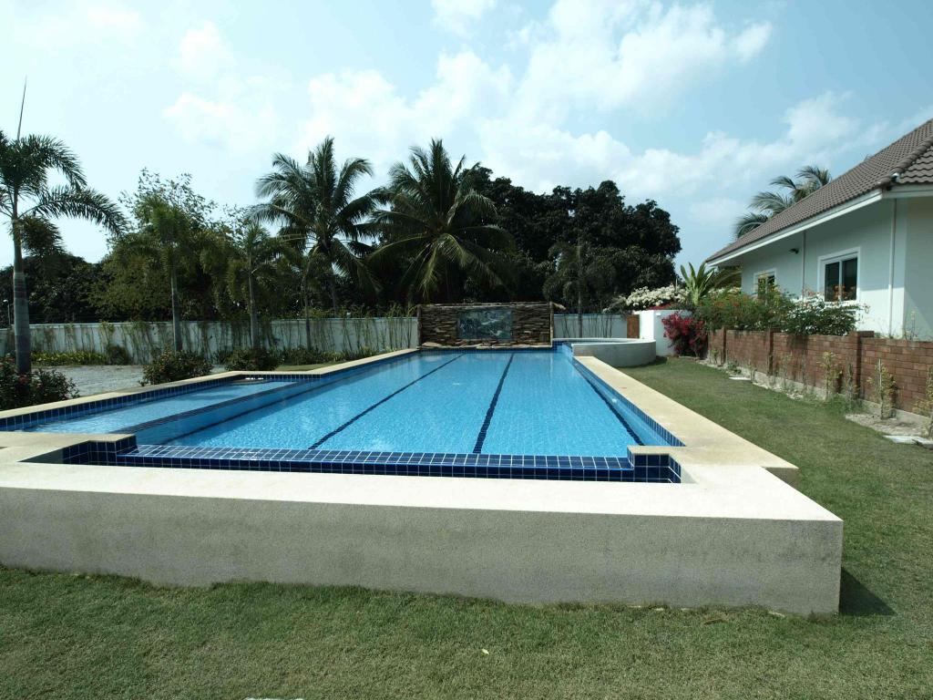 Swimming pool [outdoor] Smart Holiday Villa