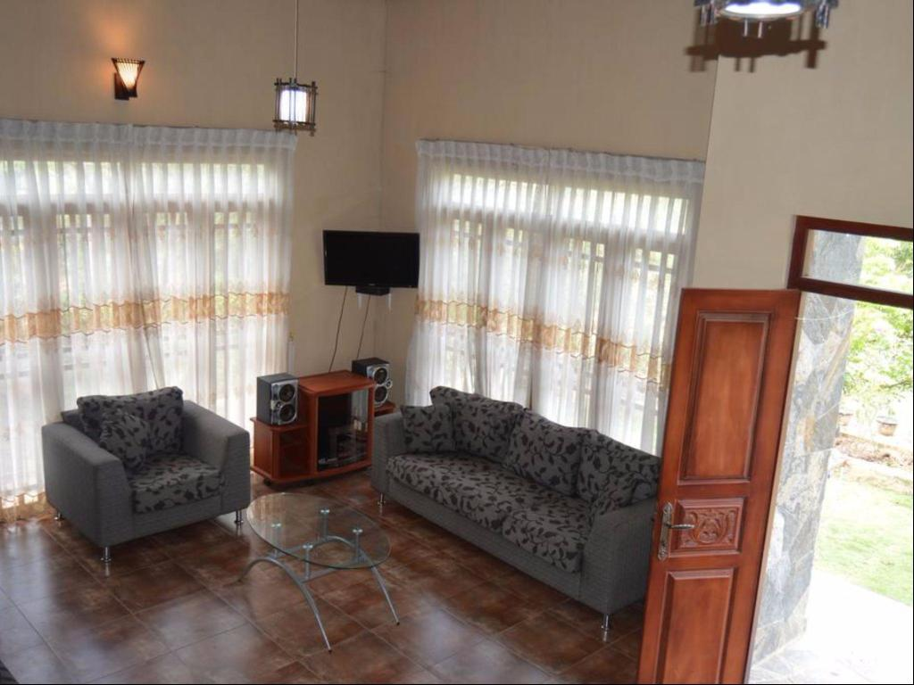 Interior view Bandarawela Holiday Bungalow