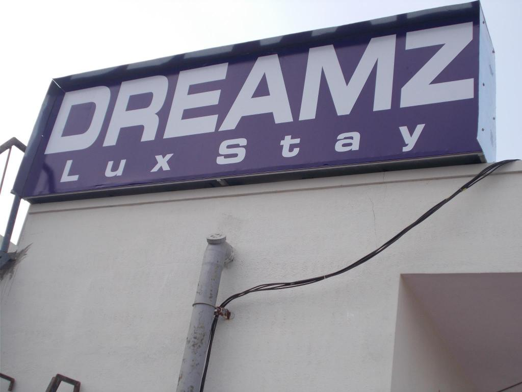 Exterior view Dreamz Lux stay