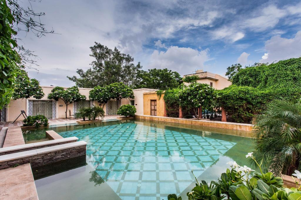 udendørs pool Royal Heritage Haveli By Niraamaya