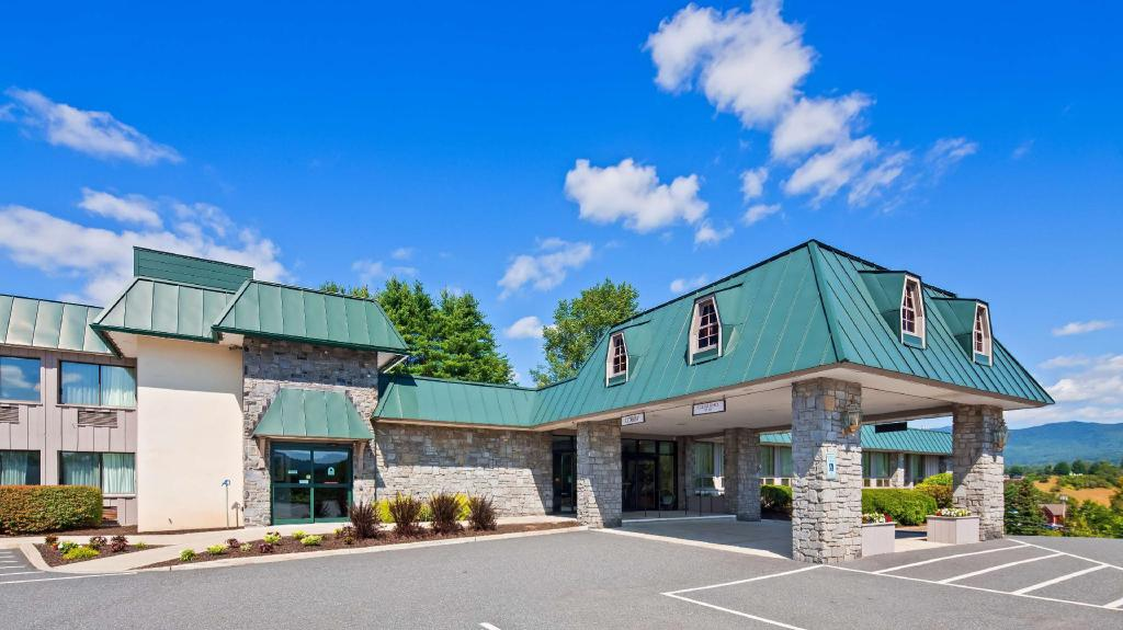 Best Western Plus Waterbury Stowe