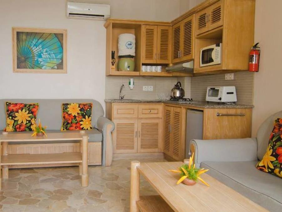 Hawaii Resort Family Suites In Anyer