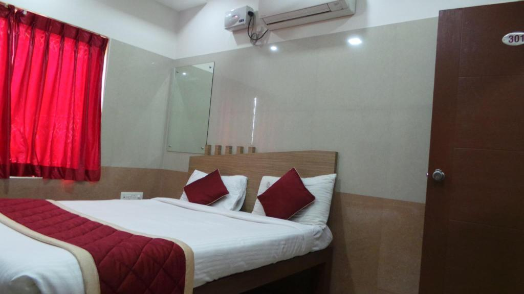 Standard Double - Air Conditioning - Bed Makam Comforts