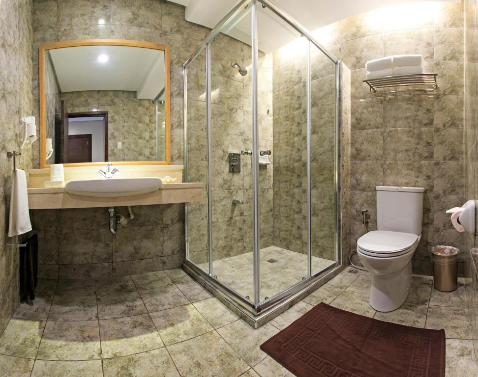 Bathroom Cebu Westown Lagoon - South Wing