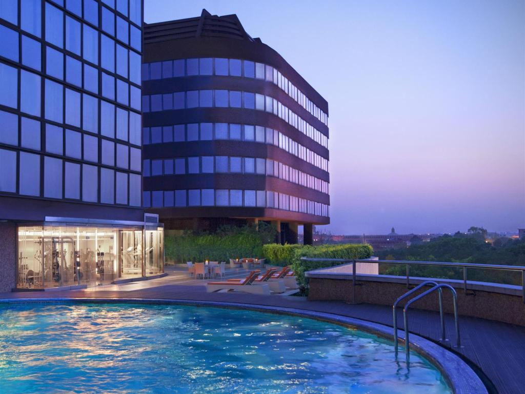 Best Price On Le Meridien New Delhi In New Delhi And Ncr