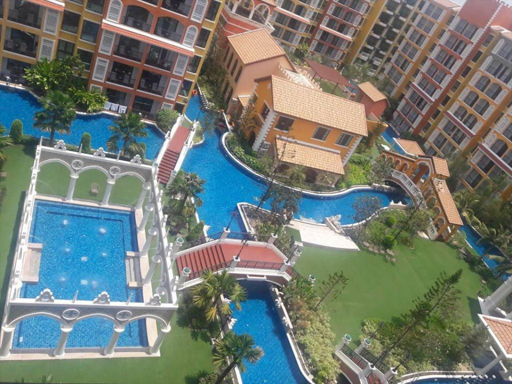 Zwembad (buiten) Venetian Signature Condo Resort Pattaya - Pool Access Room
