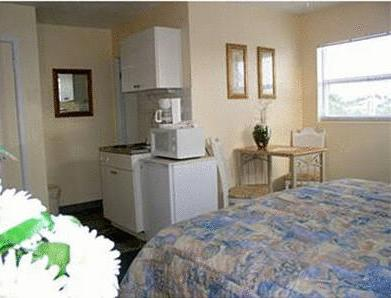Two Double beds with Kitchenette