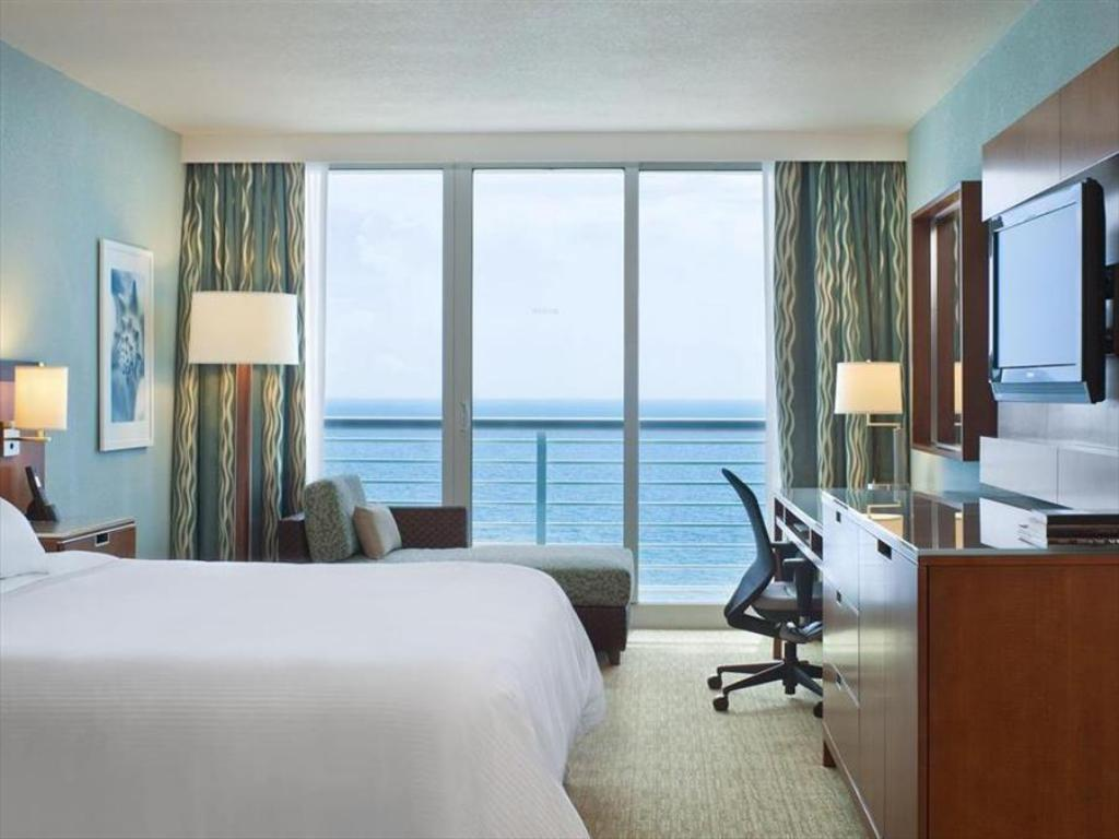 Accessible Room Guestroom The Westin Fort Lauderdale Beach Resort