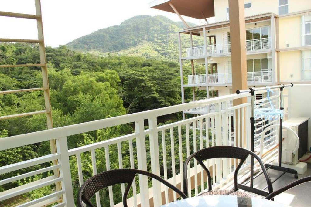 Bekijk alle 7 foto's 1 BR Condo unit in Pico De Loro for rent