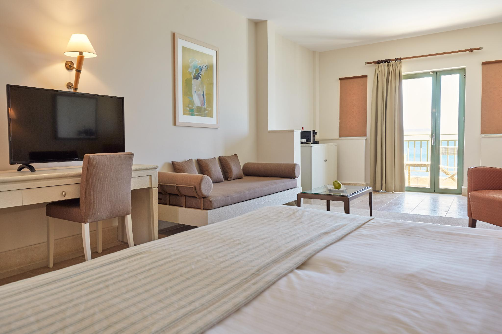 Seafront Junior Suite with Pool Access
