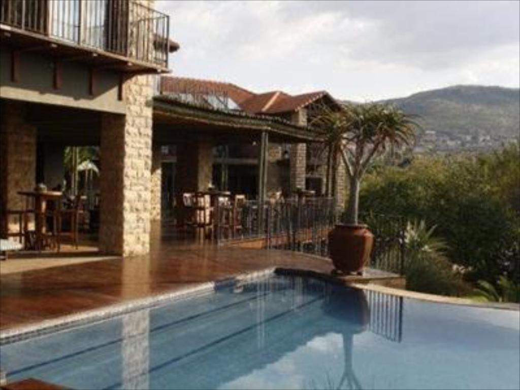 Swimming pool Afrique Boutique Hotel Ruimsig
