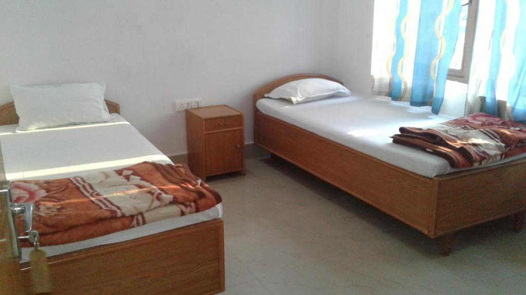 Common Bath - Bed Rudraksha Guesthouse