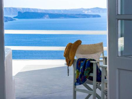 Suite with Sea View Oia Suites Hotel