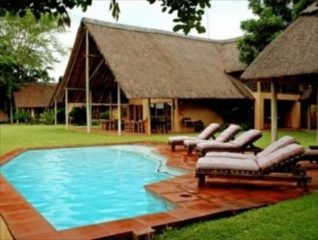 Swimming pool Bucklers Africa Bed and Breakfast