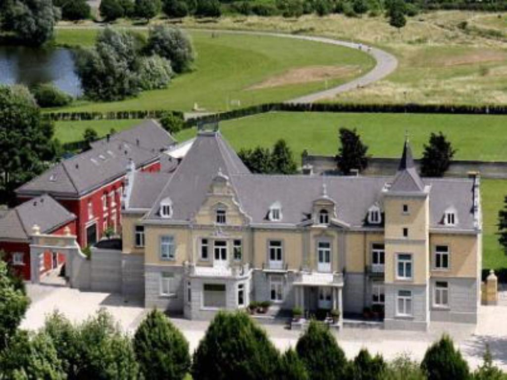 More about Hoogenweerth Suites