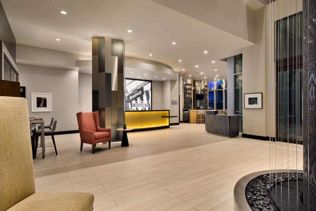 Embassy Suites By Hilton New York Manhattan Times Square New York Ny Best Price Guarantee Mobile Bookings Live Chat