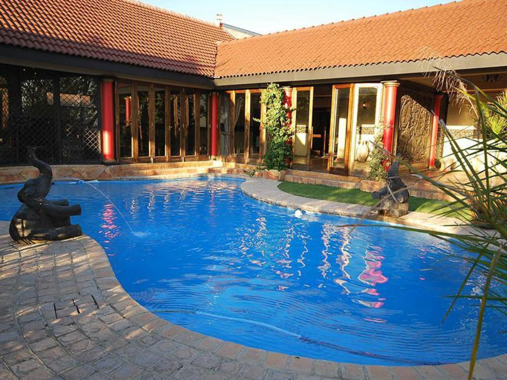 Swimming pool Midrand Conference Centre