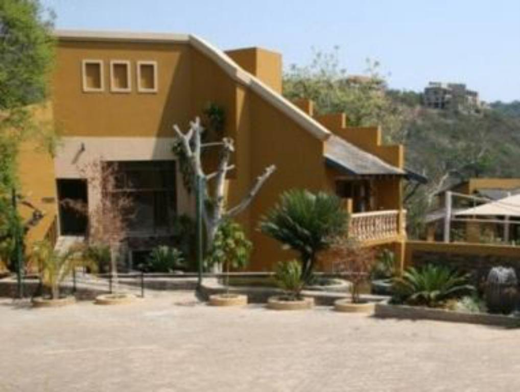 More about Nomndeni Celokuhle Lodge