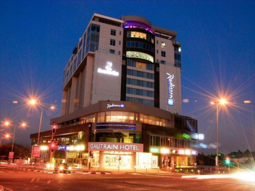 Radisson Blu Gautrain Hotel in Johannesburg - Room Deals, Photos & Reviews