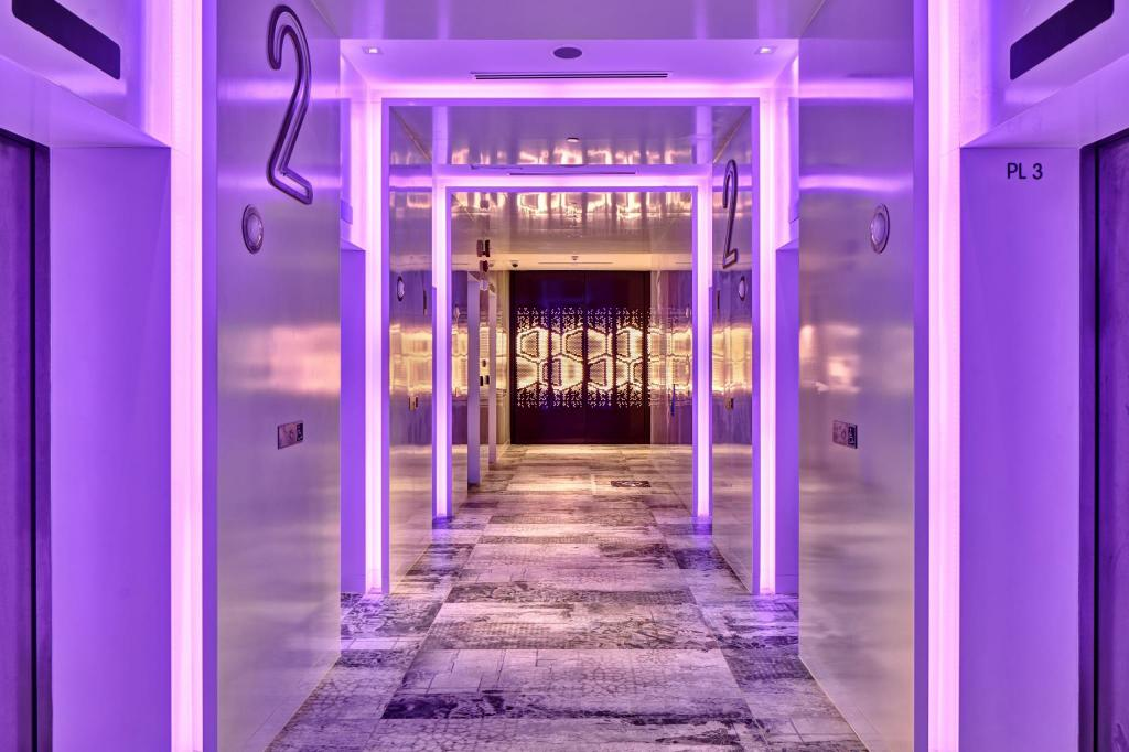 Best Price on YOTEL Singapore Orchard Road in Singapore