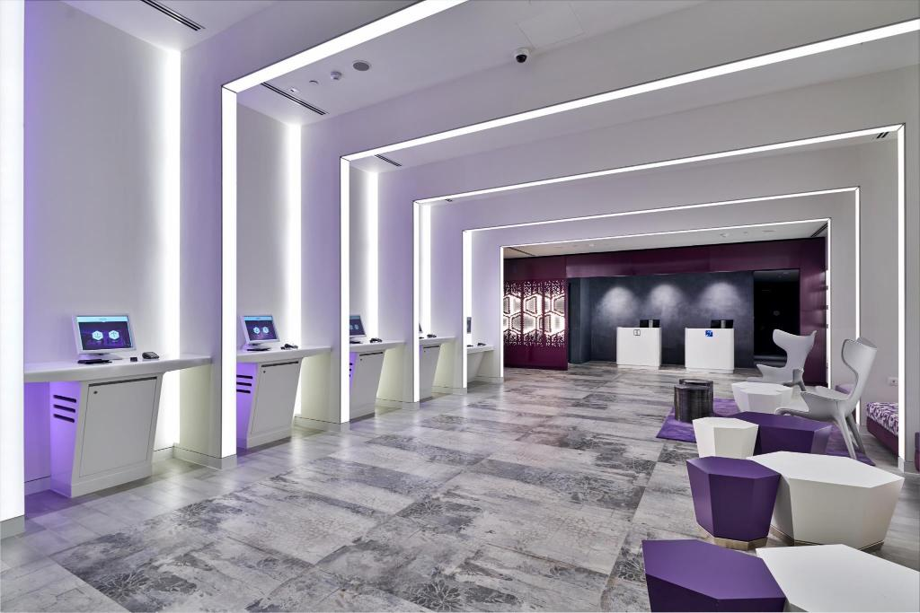 Lobby YOTEL Singapore Orchard Road