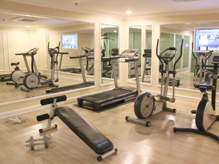 Fitness center Romance Hotel Bangna