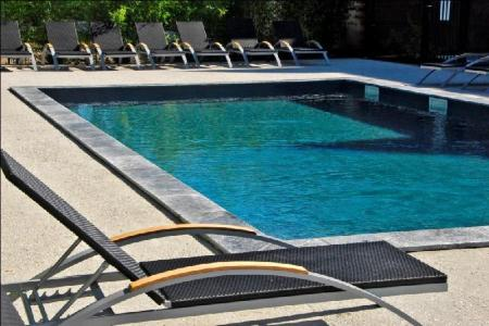 Swimming pool [outdoor] Best Western Design and Spa Arcachon