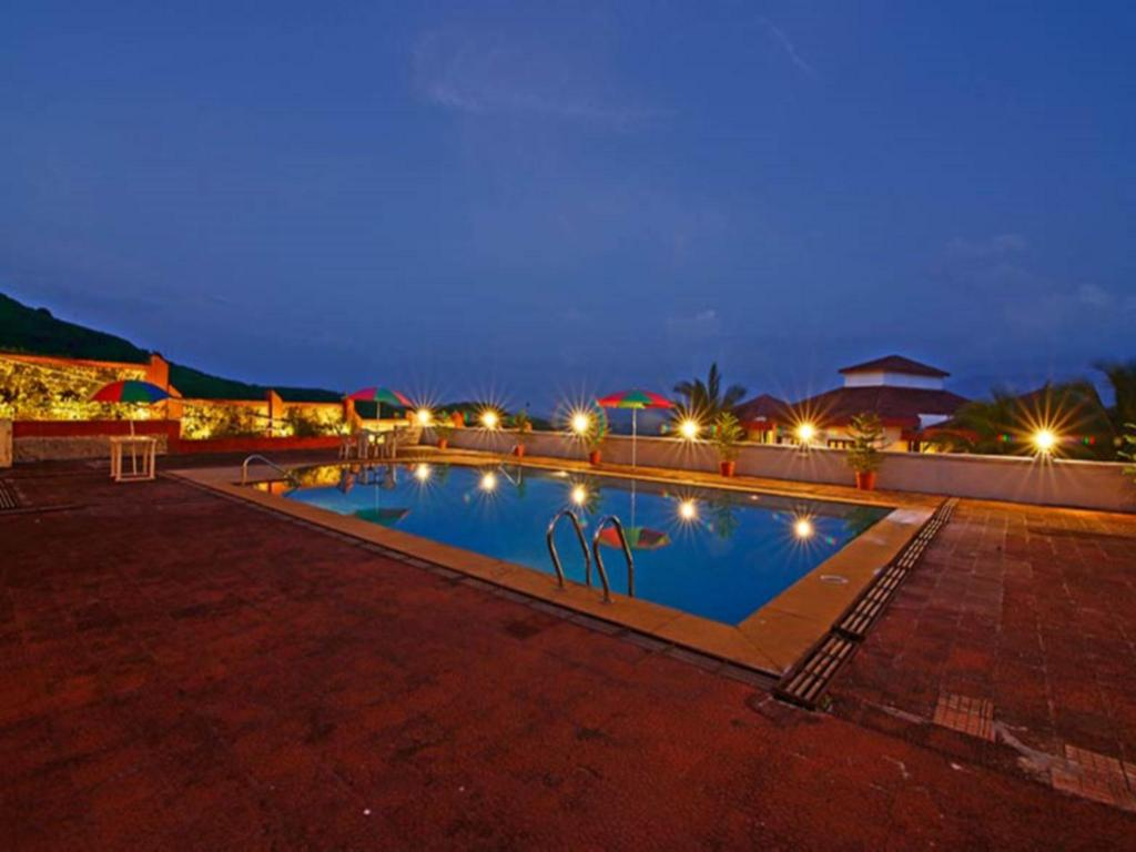 Swimming pool Dazzle Kainath Villa Karjat Private Pool 7 Bed