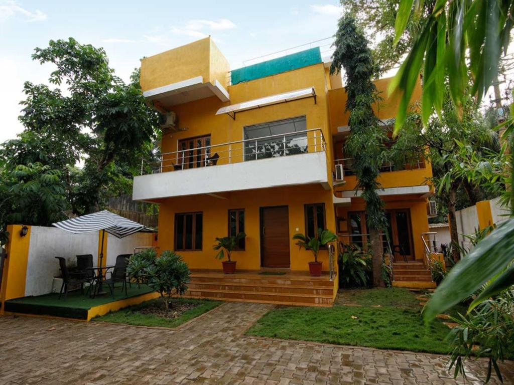 Sante 5 Bed Baga Beach Villa With Rooftop Pool